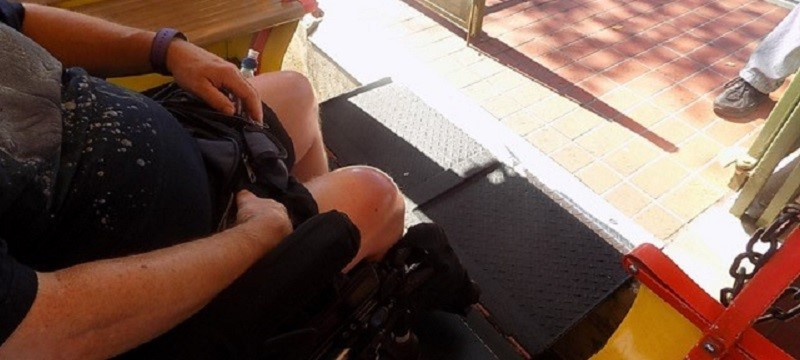 Photo of Neil leaving the train.