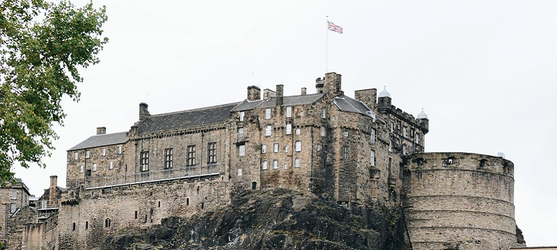 Photo of Edinburgh Castle.