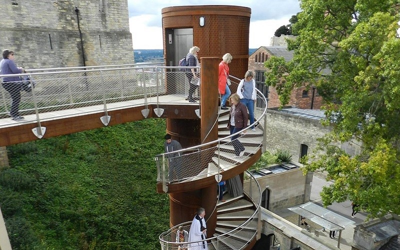 Photo of the lift at Lincoln Castle.