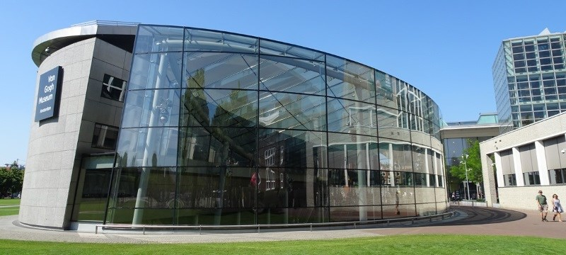 Photo of the Van Gogh Museum.