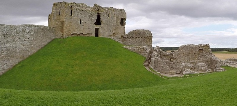 Photo of Duffus Castle.