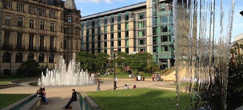 Photo of Sheffield town hall.
