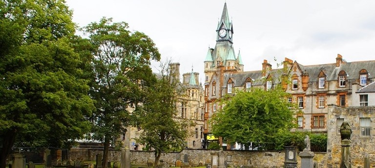Photo of Dunfermline Town Hall.