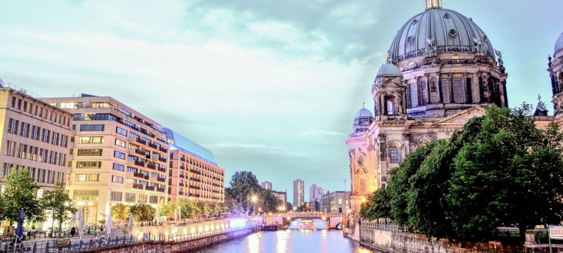 Photo showing the river Spree and the Berliner Dom.