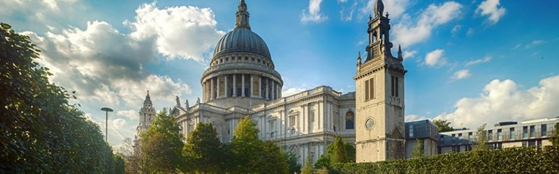 Photo of St. Paul's Cathedral, London.