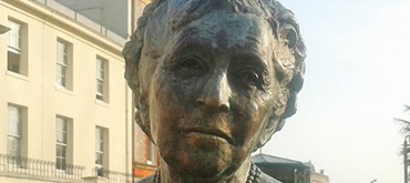Image of the bust of Agatha Christie