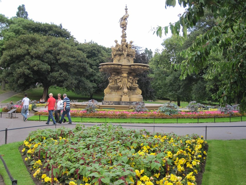 West Princes Street Gardens - Park with Disabled Access - Euan\'s Guide