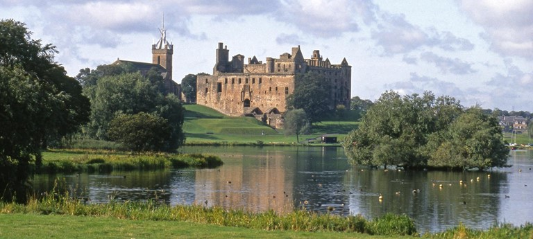 Linlithgow Palace and Peel