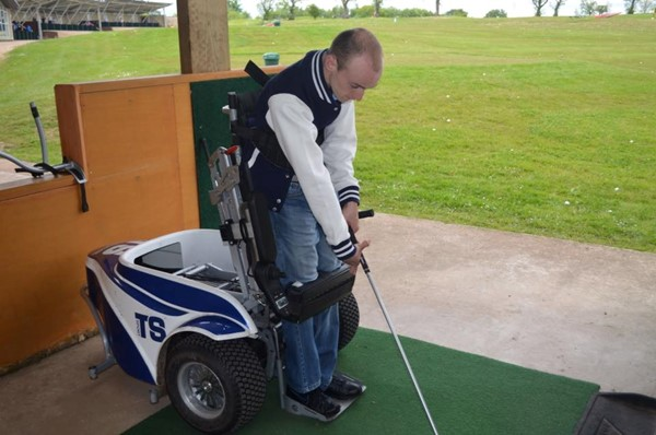 Picture of Mearns Castle Golf Academy - Golfer with paragolfer
