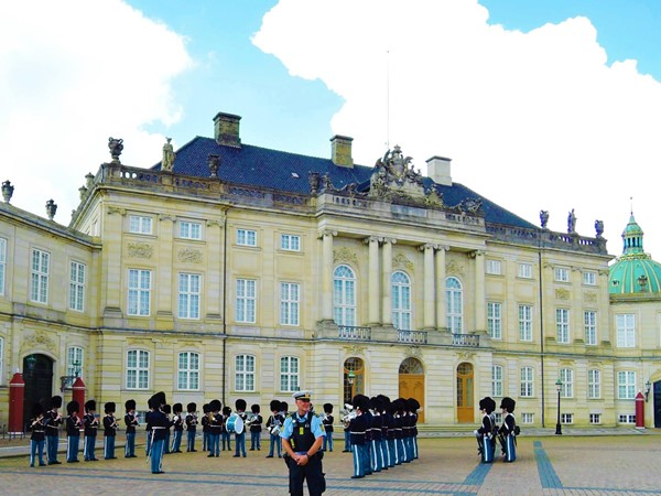 Changing of the Guards, Amalienborg Palace